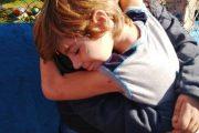 Colégio Aquarela comemora Dia do Abraço com ação no município